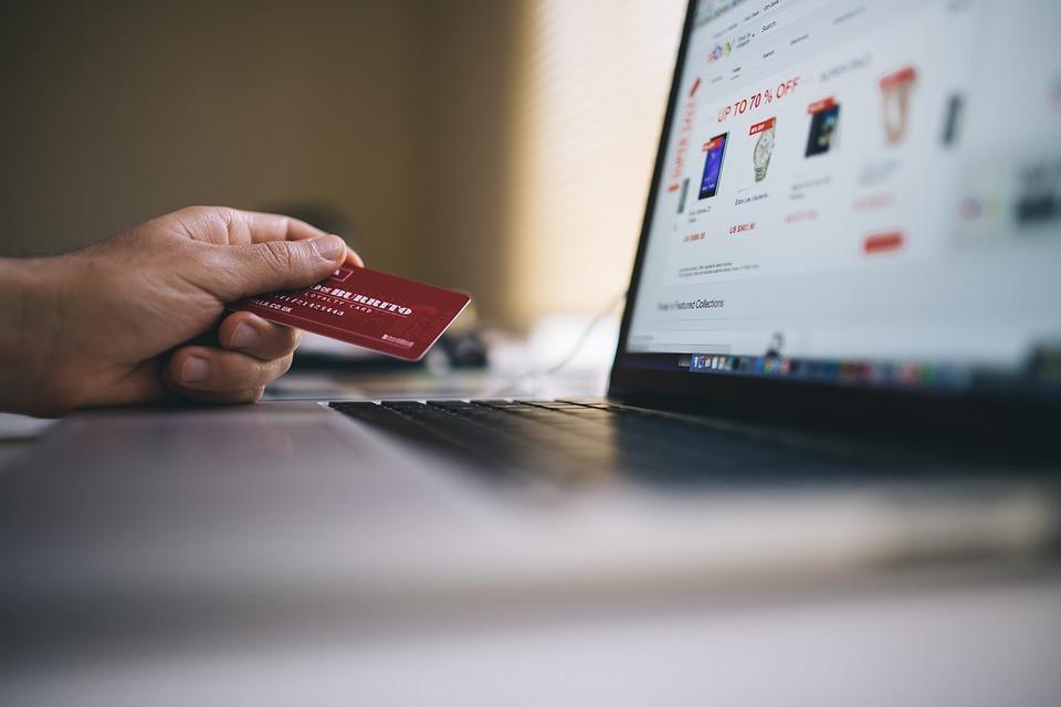 Ostrzeżenie przed oszustami internetowymi