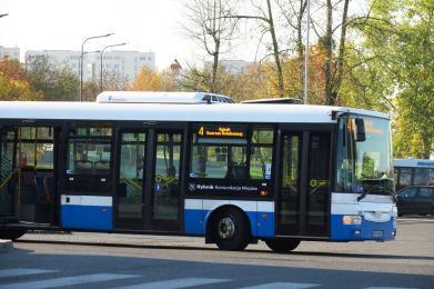 Autobusem 1 listopada - bezpłatnie i dodatkową linią