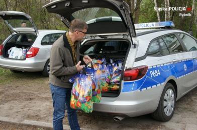 Bezdomni w Rybniku otrzymali paczki świąteczne
