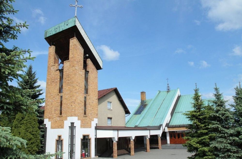 Niewiadom - Kościół pw. Bożego Ciała i św. Barbary