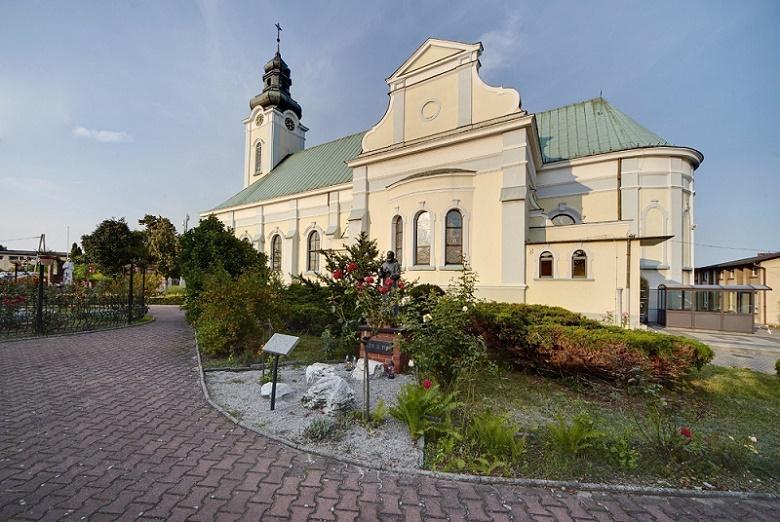 Chwałowice - Kościół pw. św. Teresy od Dzieciątka Jezus