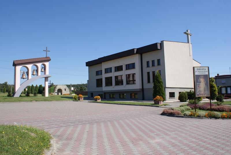 Niewiadom - Kościół pw. Miłosierdzia Bożego